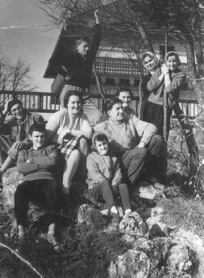 Pavle s sorodniki