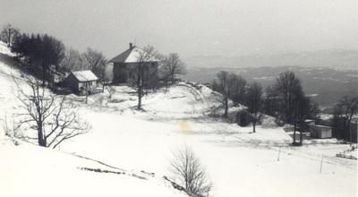 Zimski pogled na oba doma