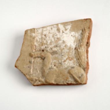 Τμήμα πήλινου ανάγλυφου πίνακα [Π 8908]