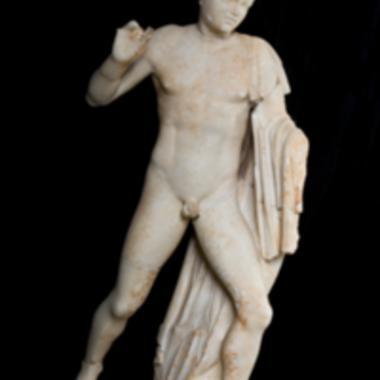 Άγαλμα νέου [Λ 137]