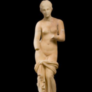 Μαρμάρινο αγαλματίδιο Αναδυόμενης Αφροδίτης [Λ 67]