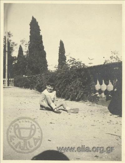 Ο Νικόλας Κάλας (1907-1988), παιδί, στο Mon Repos.