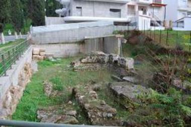 Αρχαιότητες στο οικόπεδο Τζουμάνη