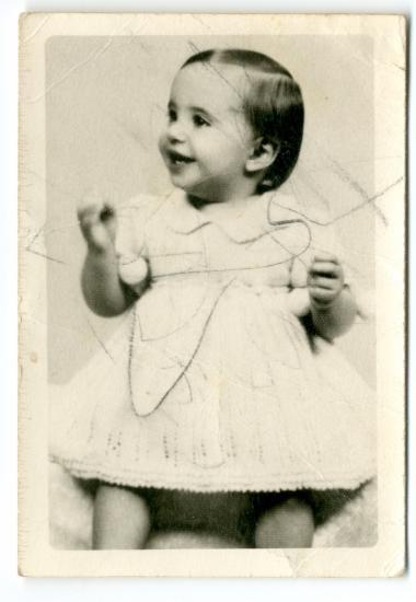 Η Ελένη Κόρτη σε μικρή ηλικία