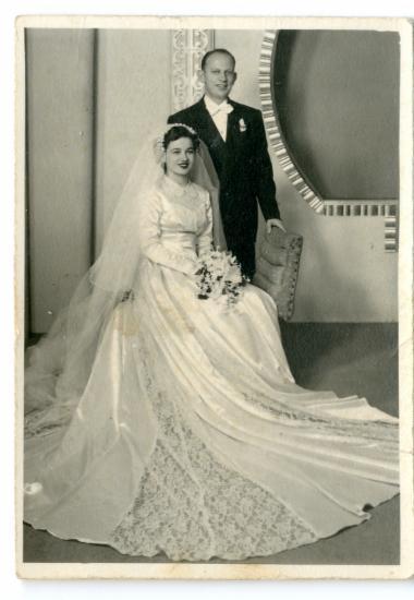 Ο Νίκος και η Ελένη την ημέρα του γάμου τους, στην Αμερική