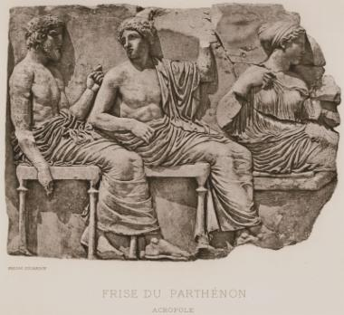 Λίθος από την ανατολική ζωφόρο του Παρθενώνα: Ποσειδών, Απόλλων, Άρτεμις (Μουσείο Ακρόπολης).