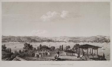 Άποψη από το Καντιλί στην ανατολική ακτή του Βοσπόρου. Στο πρώτο επίπεδο Οθωμανοί χορεύουν με τη συνοδεία μουσικής, ενώ στα αριστερά άλλοι απολαμβάνουν τον καφέ τους καπνίζοντας και θαυμάζοντας τη θέα του Βοσπόρου.