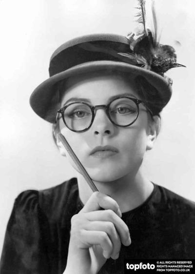 hat fashion 1950