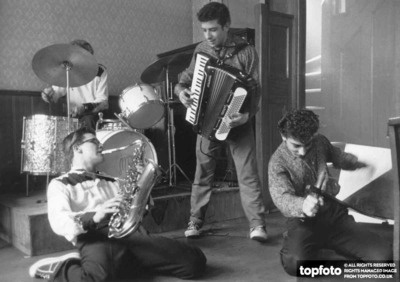 The Earthquakers Skiffle Group