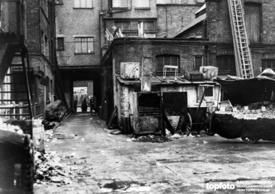 This was Rubber Bones' London ' home' .