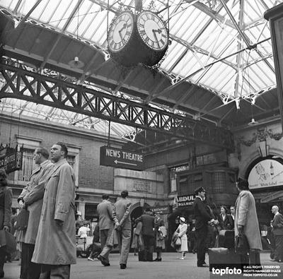 Victoria Station  , London
