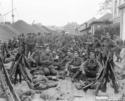 Great War_x000D_ British Infantry in a