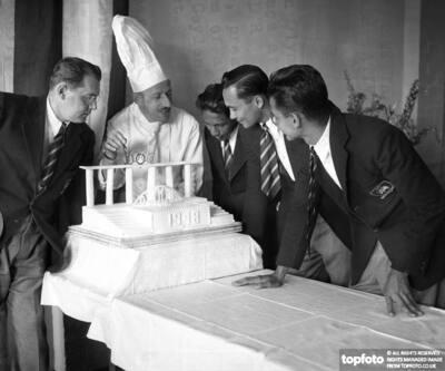 Ceylon Presented Olympic Cake