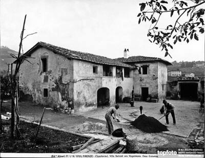 View of a farmhouse with