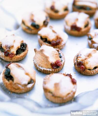 Little mince pies decorated with