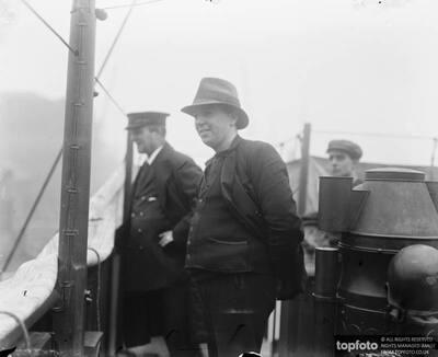 Lieut Commander Harold Auten ,