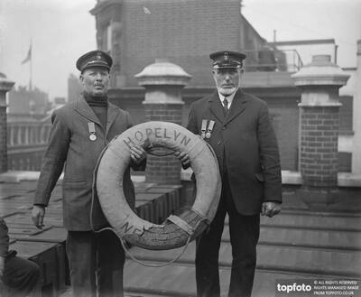 Honours for brave lifeboatmen ._x000D_ At
