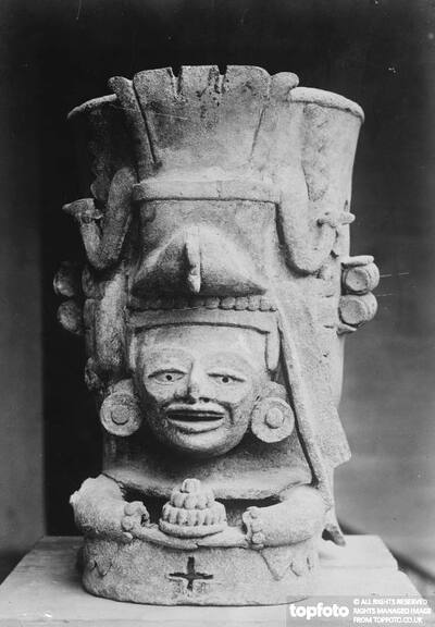 Figure of the Mayan Diving