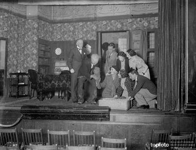 The Orpington Dramatic Society cast