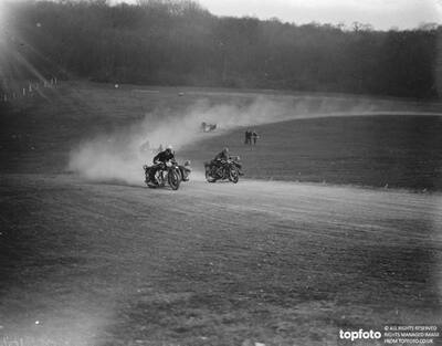 Motor cycling races at Brands