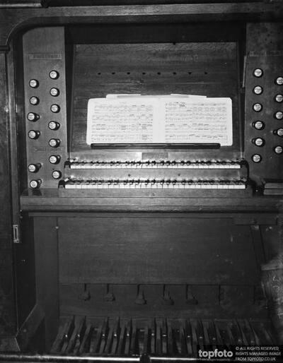 A church organ ._x000D_ 1936