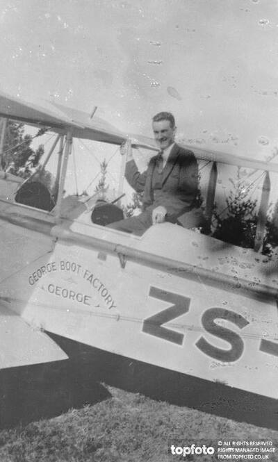 South African aviator attempting record