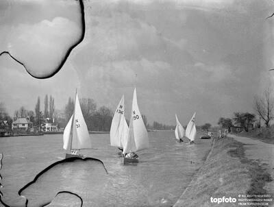 The Tamesis Sailing Club held