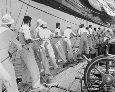 Heave Ho aboard 'Endeavour I'