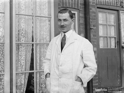 Britain's only bird surgeon._x000D_ London archaeology