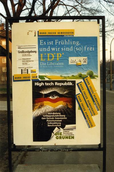 LDP- und Grüne Partei-Plakate
