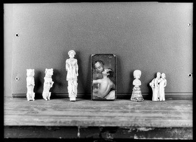 Roma - Museo Nazionale del Palazzo di Venezia - Depositi Sala studio - A - PV 9217/245 cane seduto B - PV 9217/244 - cane seduto C - PV 9217/ 246 Terminale in avorio - figurina muliebre