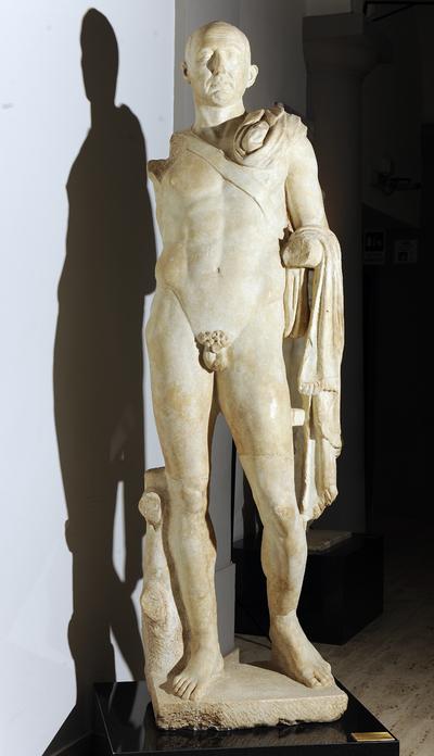 ritratto virile di nudità eroica