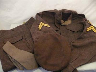 Uniform van P. Akihary