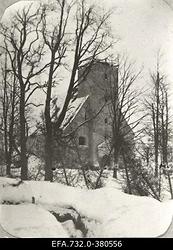 Lahingutegevuse käigus purustatud Lennewardeni (Lielvarde)                      kirik.