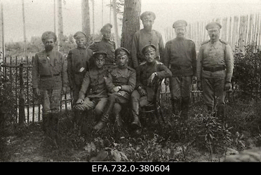 Vene 33. Jalaväediviis 13. Tiraspoli polguohvuitser polgu kolmohvitseri                      koos tentsikutega.