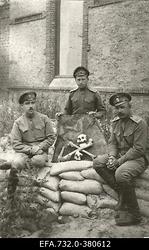Vene 33.Jalaväediviisi 131.Tiraspoli polgu [ülem?] polkovnik Dmitrjev                      (paremal) ja [polgu] arst Kraskov (vasakul).