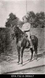 Vene 33.Jalaväediviisi 131.Tiraspoli polgu ohvitser hobusel.