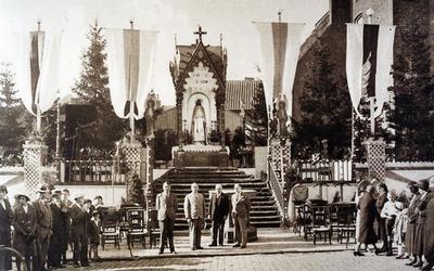 Foto: straatversiering: Grote Markt (Virga Jessefeesten, Hasselt, 1933)