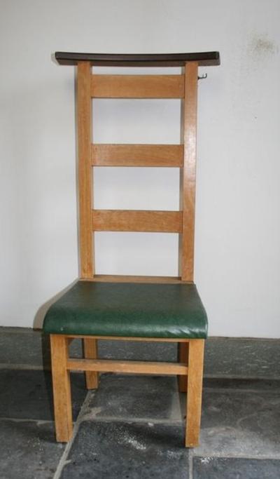 Vier bidstoelen