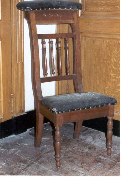 5 stoelen - knielstoelen met zwart leer