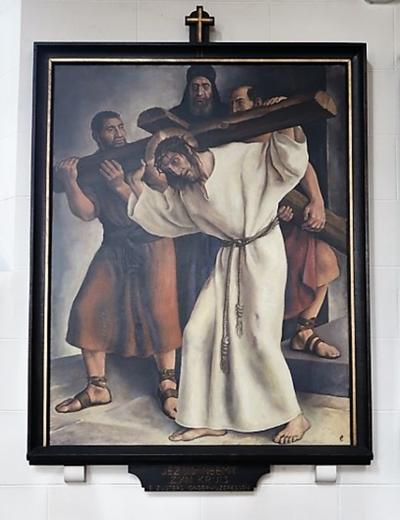 Kruiswegstatie II: Jezus neemt het kruis op zijn schouders