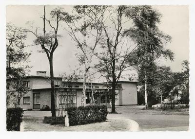 Balen-Wezel Grot en parochiehuis