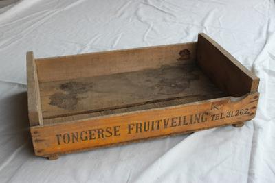 Kist van de Tongerse Fruitveiling om fruit in te verpakken