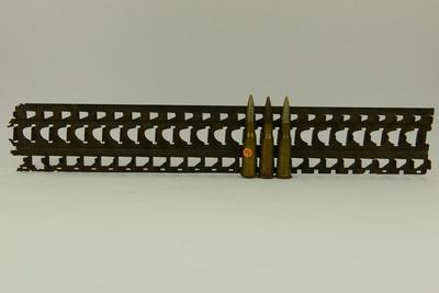 Metalen patronenhouder Hotchkiss machinegeweer.