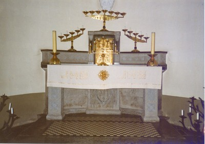 Zijaltaar noord; voor Onze-Lieve-Vrouw in de zijkapel noord van het koor