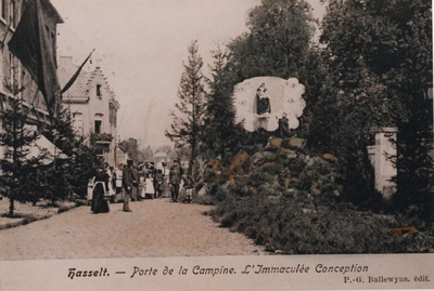 Foto: straatversiering: De maagdelijke conceptie, Kempische poort (Virga Jessefeesten, Hasselt, 1905)