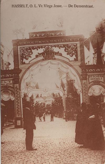 Foto: straatversiering: Demerstraat (Virga Jessefeesten, Hasselt, 1912)