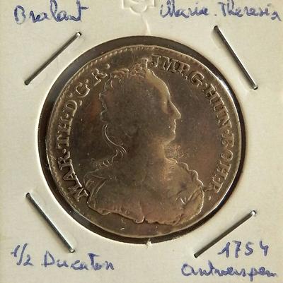 1/2 Ducaton, geslagen te Antwerpen, 1754, Maria-Theresia, zilver