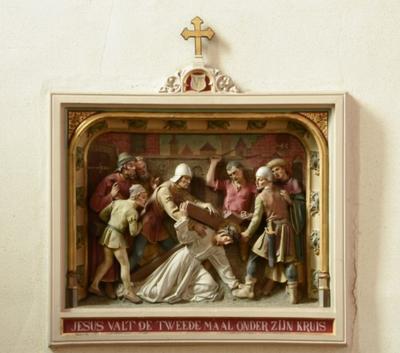 Statie 7: Jezus valt de tweede maal onder zijn kruis