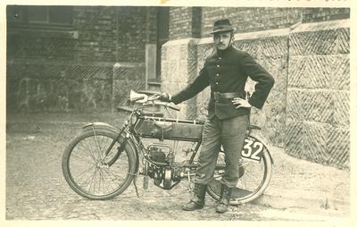Motocycliste.